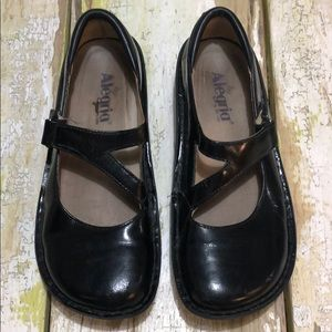 Algeria Patent Leather Mary Janes 38